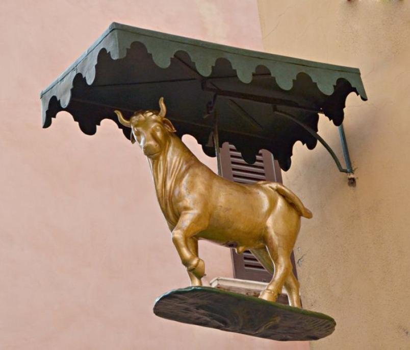 l salvataggio del Bue d'oro, celebre statua della vecchia Brescia